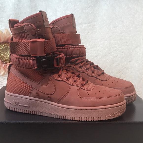 Nike Women s SF AF1 Sneakers Boots Peach Sz 8 NIB 1293aed4b